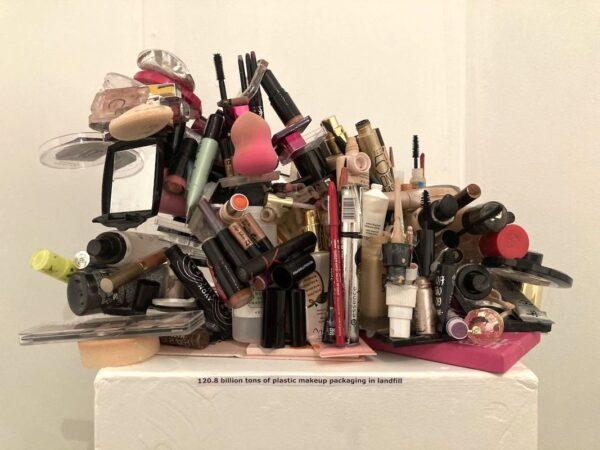 Marta Szymczyk - 120.8 billion tons of plastic makeup packaging in landfill